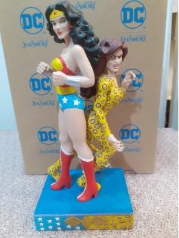 Wonder Woman and Cheetah Figurine