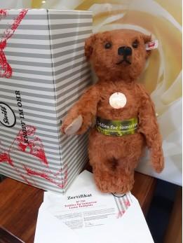 Teddies for tomorrow Linus Teddy bear